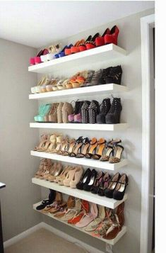 42 Ideas Walk In Closet Organization His And Hers Shoe Shelves Closet Bedroom, Bedroom Decor, Master Closet, Shoe Rack Bedroom, Bedroom Ideas, Closet Space, Shoe Storage Ideas Bedroom, Closet Wall, Shoe Room