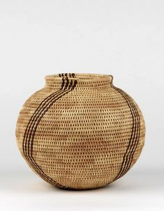 Africa | Basket from Botswana. ca. 1992 | Grass