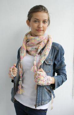 Handmade Colorful Rainbow Triangle Mini Shawl scarf por denizgunes