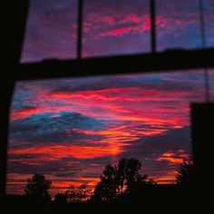 search amidstchaos for more pins like this Pretty Sky, Beautiful Sunset, Beautiful World, Aesthetic Backgrounds, Aesthetic Wallpapers, Sky Aesthetic, Album Design, Sunset Sky, Aesthetic Pictures