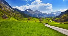 Asturias te ofrece muchos lugares de anuncio. Aquí te proponemos 8 que te llevarán a paisajes de ensueño.