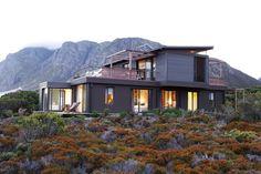Fynbos House Betty's Bay South Africa. Beatty Vermeiren architects.