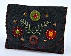 Felt coin purse. Charcoal grey. by PuffinPatchwork on Etsy, $21.00