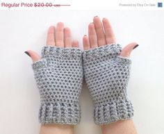 HOLIDAY WEEKEND SALE Crochet Fingerless Mittens Wrist Warmers Gloves in Light Gray