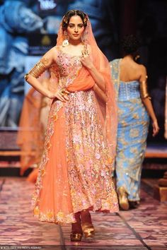 Suneet Varma's Collection at Aamby Valley India Bridal Fashion Week, 2013 https://www.facebook.com/pages/Suneet-Varma-Official-Page/118983668143722 |
