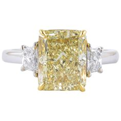 4 carat GIA certified Fancy Light Yellow VVS1 Diamond Ring | 1stdibs.com