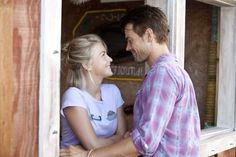 SAFE HAVEN Trailer and Images. The first trailer and images for the Nicholas Sparks adaptation Safe Haven, starring Julianne Hough and Josh Duhamel. Julianne Hough Safe Haven, Julianne Hough Hair, Josh Duhamel, Safe Haven 2013, Safe Haven Hair, Love Movie, Movie Tv, Nicholas Sparks Novels, Sparks Movies