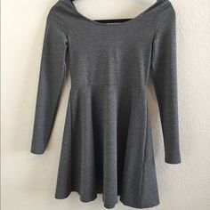 Cute long sleeved baby doll dress! Super comfortable and cute baby doll dress. Has only been worn twice and is basically new without tags. Really nice and good quality. H&M Dresses Mini
