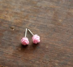 Tiny Baby Pink Rose Earrings $5...LOVE!