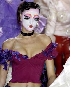 John Galliano for Christian Dior Fall Winter 2003 Ready-To-Wear Galliano Dior, John Galliano, Dior Kids, Christian Dior, Givenchy, Doll Makeup, Costume Makeup, Makeup Geek, Eye Makeup