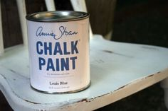 Love this Annie Sloan Chalk Paint for easy vintage/shabby designs!