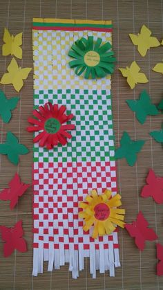 Cut Paper, Paper Cutting, Lithuania Flag, Board Decoration, Help Teaching, Techno, Winter, Projects, Crafts