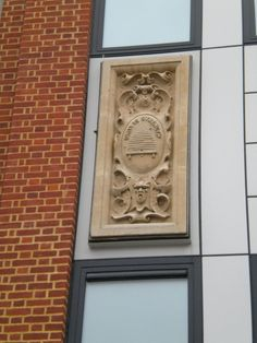 Beehive plaque on Primark. I would never have thought to look there. Thank you, gwydir demon! Beehive, Primark, Cambridge, Insects, That Look, Decor, Decoration, Decorating, Deco