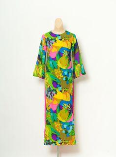 ff980a39fbbe Vintage Waltah Clarke s Hawaiian Dress  hawaiian print   50s Dress   Maxi  dress   NOVELTY