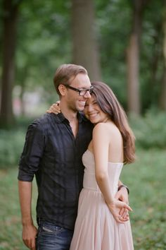 Adorable duo alert. Photography: Robert And Kathleen Photographers - robertandkathleen.com  Read More: http://www.stylemepretty.com/2014/05/09/central-park-engagement-session/