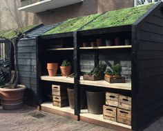Gardening In The City Nice Garden Shed Storage Ideas on a Budget 3 - Nice Garden Shed Storage Ideas on a Budget 3 Building A Storage Shed, Shed Storage, Storage Ideas, Bike Shed, Shed Plans, Amazing Gardens, Outdoor Gardens, Outdoor Living, Sweet Home