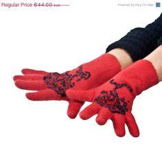 ON SALE 20% Off  Handmade felted  gloves  felt gloves  by vilnone
