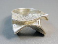 Lapponia vintage 1972 Siren ring, sterling silver, Bjorn Weckstrom, Space Silver, Finland