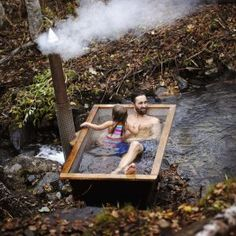 Sotiga Grytan - a wood fired hot tub from Hikki. Sturdy, elegant and durable Outdoor Bathtub, Outdoor Sauna, Outdoor Bathrooms, Small Backyard Pools, Hot Tub Backyard, Natural Swimming Pools, Water Systems, Cabins In The Woods, Jacuzzi