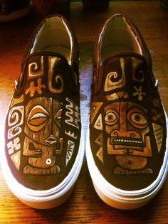 tikitony: Tiki Vans by Tiki tOny. Would be better in blue Tiki Art, Tiki Tiki, Tiki Head, Vintage Tiki, Vintage Hawaii, Tiki Decor, Tiki Lounge, Tiki Torches, Tiki Room