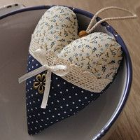 Valentine Crafts, Valentines, Crafts To Make, Diy Crafts, Ideas Prácticas, Fabric Hearts, Lavender Bags, Sweet Messages, Bowl Fillers