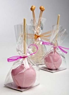 Cake Pops In Gusseted Flat Bottom Cellophane Bags Good Packaging Idea For Party Favors