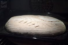 flair food: Kváskový chléb s 50% podílem žitné mouky a 80% hydratací Bread, Food, Brot, Essen, Baking, Meals, Breads, Buns, Yemek