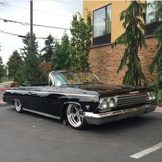 Sick Impala spotted by 64 Impala, Chevy Impala Ss, Chevrolet Chevelle, 1995 Ford Bronco, Vintage Cars, Antique Cars, Old School Cars, Convertible, Sweet Cars