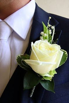 Flower Design Buttonhole & Corsage Blog: Gorgeous Avalanche Rose Groom's Special Boutonniere