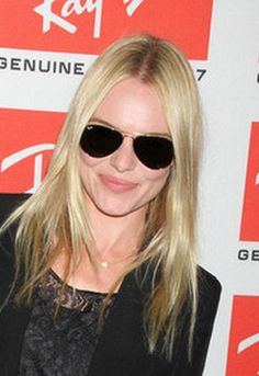 Aviator Extra Large 62 Mm Metal Sunglasses In Gold - 001 - As Seen On Kate Bosworth - Designed By Ray-ban New Ray Ban Sunglasses, Ray Ban Glasses, Sunglasses Online, Sunglasses Women, Ray Ban 3025 Aviator, Ray Ban Store, Sunglass Hut, Kate Bosworth, Ray Bans