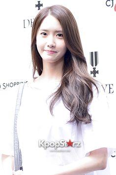 Girls Generation[SNSD] Yoona Attends Defaye Black Event - April 11, 2014 [PHOTOS] http://www.kpopstarz.com/articles/87643/20140411/girls-generation-snsd-yoona-attends-defaye-black-event-april-11.htm