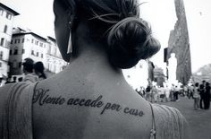 Niente accade per caso (Italian) / Nothing happens by chance