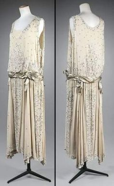 clothes and shoes of the 1920's | Gabrielle Chanel, Evening Dress in Crepe Georgette with Silver Lamé ...
