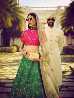 Designer Sabyasachi Mukherjee's Summer Collection - Sabyasachi Mukherjee's offering, 'An Endless Summer', is divided between florals, bright colours and a lineup of ivory and gold look with references from Alice in Wonderland to Sarojini Naidu. Trendy Dresses, Trendy Outfits, Summer Outfits, Summer Clothes, Indian Attire, Indian Ethnic Wear, Indian Wedding Outfits, Indian Outfits, Vogue India
