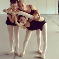 Girls and BALLET | the young BALLERINA | pinned by http://www.cupkes.com/