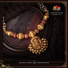 Don't Miss These Royal Looking Necklace Designs!! • South India Jewels Antique Jewellery Designs, Beaded Jewelry Designs, Necklace Designs, Antique Jewelry, Gold Necklace Simple, Gold Jewelry Simple, Gold Temple Jewellery, India Jewelry, Pearl Jewelry