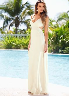 Summer time is greta for these long flowing dresses with flats, flip flops or bare feet and a walk on the beach