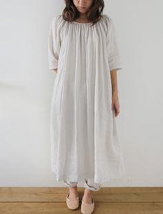 Matilda - CLOTHINGNightwear - Envelope is a unique online shopping mall made up of a few independent shops from all around Japan. Muslim Fashion, Korean Fashion, Boho Fashion, Fashion Outfits, Linen Dresses, Cute Dresses, Casual Dresses, Shopping Mall, Online Shopping