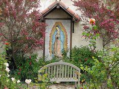 La Virgen de Guadalupe~park bench