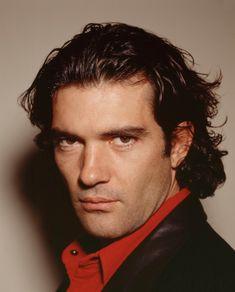 Antonio Banderas Retro Medium Hairstyle