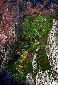 Subida a Casielles pueblo de Asturias, (Espña) Altitud: 727 metroa, Distancia:…
