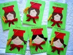 Crescere, creare e divertirsi nella scuola dell'infanzia. Il luogo di incontro per genitori, insegnanti ed educatori Kindergarten Graduation, Graduation Day, In Kindergarten, Summer Crafts, Diy And Crafts, Crafts For Kids, Colegio Ideas, Arabic Alphabet For Kids, End Of School Year