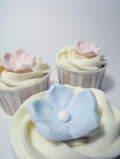 Hydrangea Bridal Shower cupcakes
