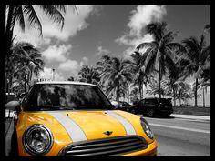 黄色のミニクーパー 車 高解像度で壁紙