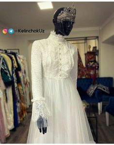 Sleeves Designs For Dresses, Sleeve Designs, Classy Shorts Outfits, Short Outfits, Hijab Fashion, Clothes For Women, Woman, Outerwear Women, Women