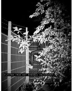 """Folkhemmet"" Foto: Per Englund, text: Villfarelser #folkhemmet #englundvillfarelser #perenglund #villfarelser #foto #konst"