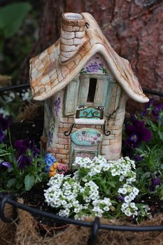 I'm in search for the perfect fairy house:)