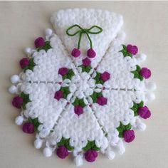 Crochet Baby Hat Patterns, Crochet Baby Hats, Paper Flowers Diy, Crewel Embroidery, Filet Crochet, Teaching Kids, Crochet Necklace, Weaving, Lily