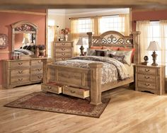 Exceptional Furniture: Amazing Mid Century Bedroom Design Ideas Featuring Wooden King  Size Bed Also Other Furniture With Natural Finishing Design On Laminate  Parquet ...