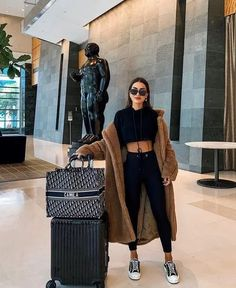 trendy winter outfits to help to level up your winter style 26 ~ my.me trendy winter outfits to help to level up your winter style 26 ~ my. Winter Fashion Outfits, Look Fashion, Fall Outfits, Black Outfits, Paris Winter Fashion, Paris Outfits, Woman Fashion, Fall Fashion, Cute Casual Outfits